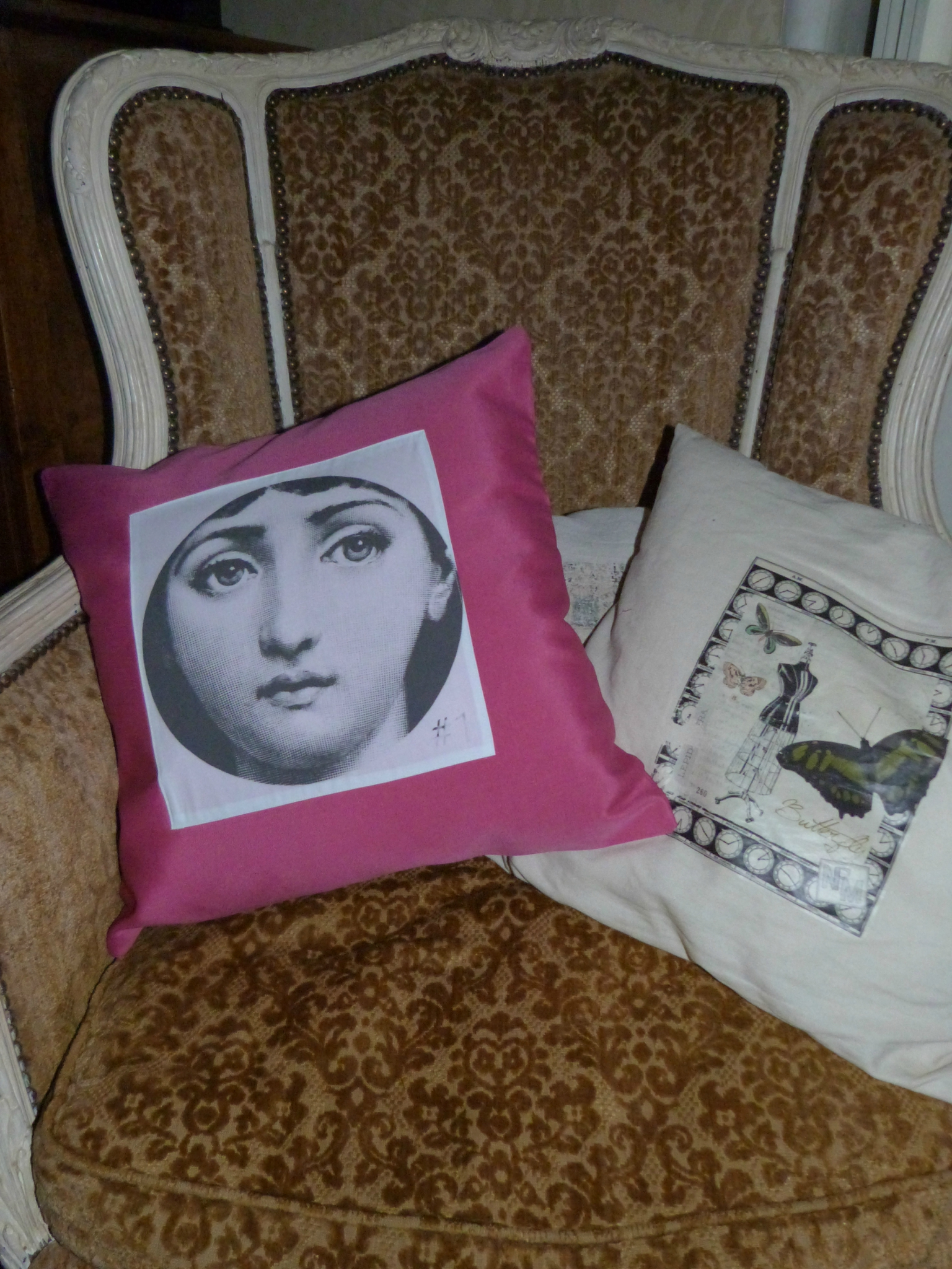 coussin fornasetti no l italien d coration achetez des. Black Bedroom Furniture Sets. Home Design Ideas