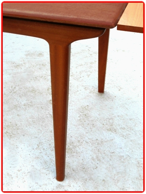 tables et chaises design scandinave 1960