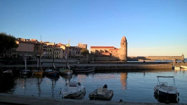 Collioure sept 2017 port jetées et Eglise