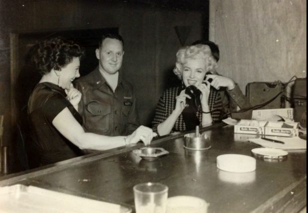 1954-02-16-5_after_perform_7th_infantery_division-4-1