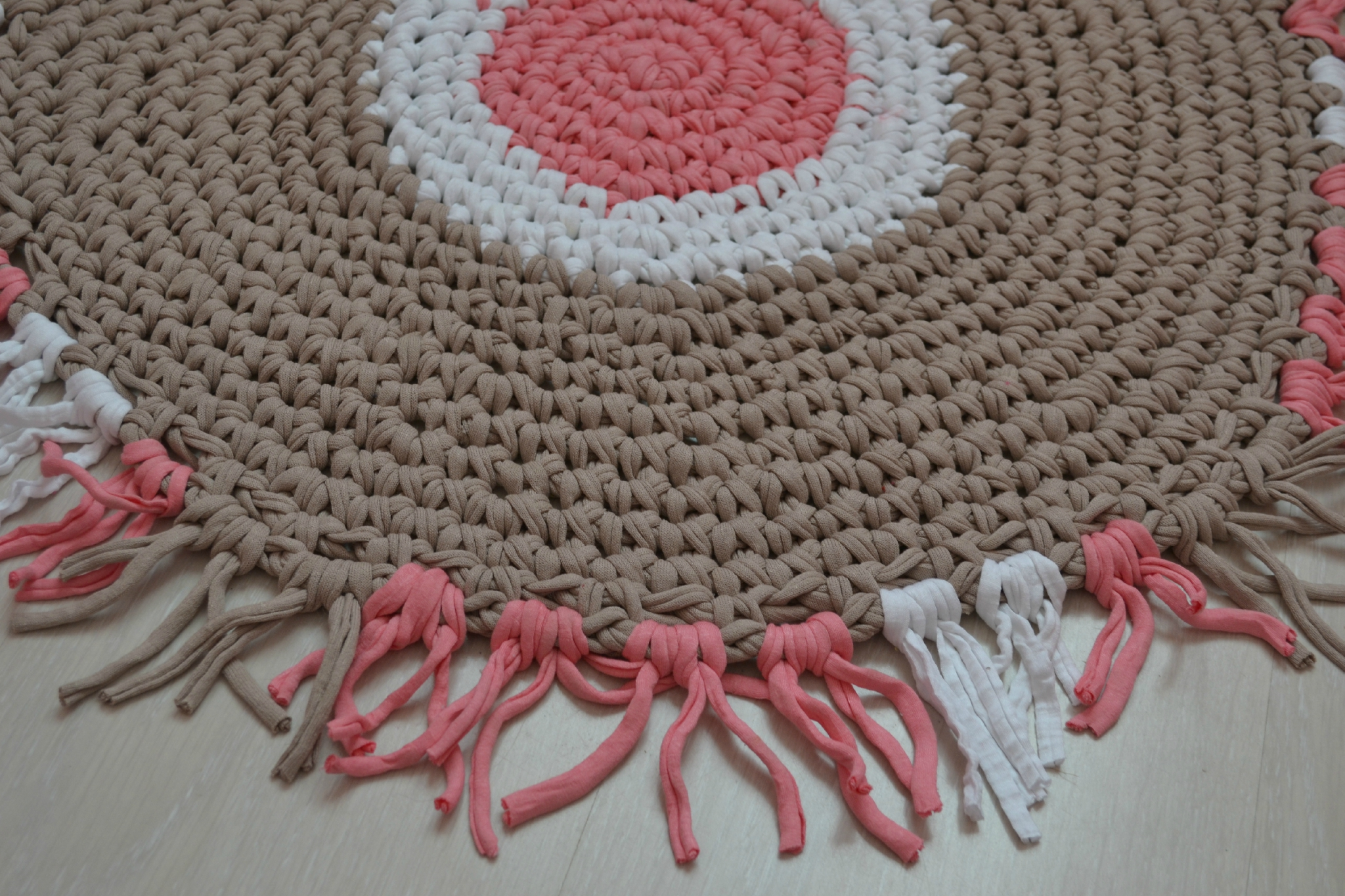 Carrelage Design tapis crochet : Photos (suite) pour Tuto tapis ovale crochet