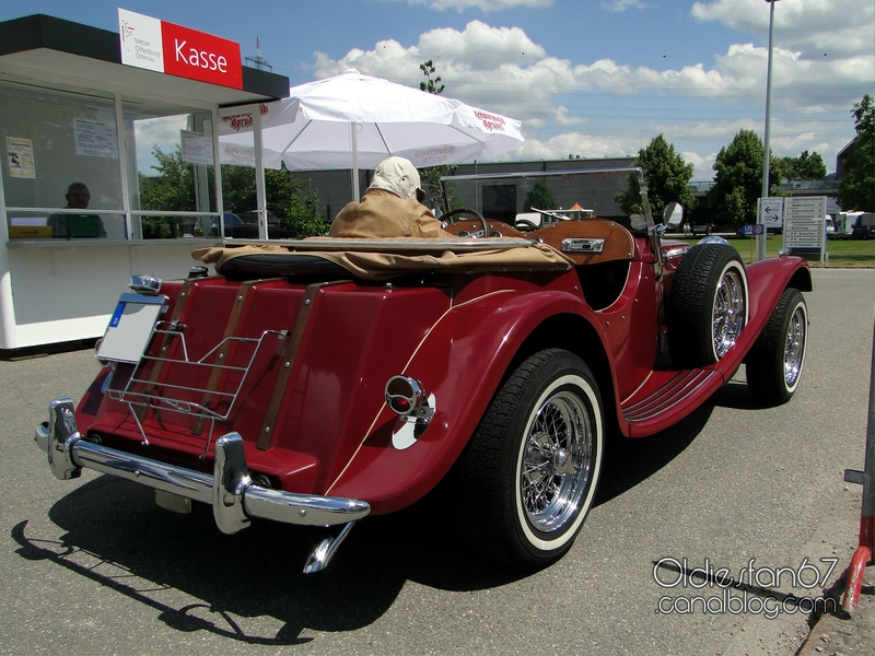 classic-roadsters-duke-ss100-2