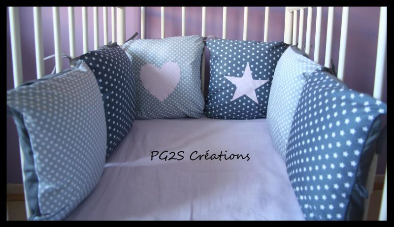tour de lit coussins etoiles et petits pois la ptite boutique. Black Bedroom Furniture Sets. Home Design Ideas