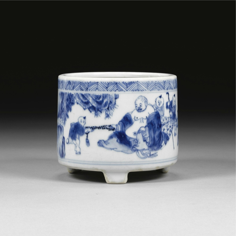 A blue and white tripod censer, Qing dynasty, early Kangxi period (1662-1722)