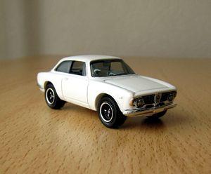 Alfa roméo giulia sprint GTA de 1965 -Matchbox- (1