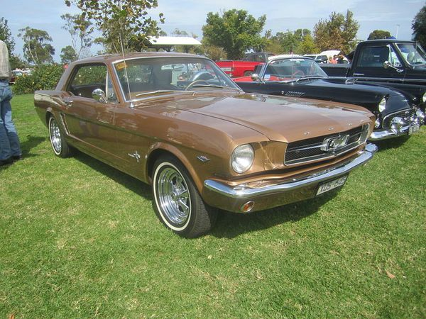 1964_Ford_Mustang_Hardtop