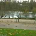 Banc disign en bord de Loire aux couleurs d'automne