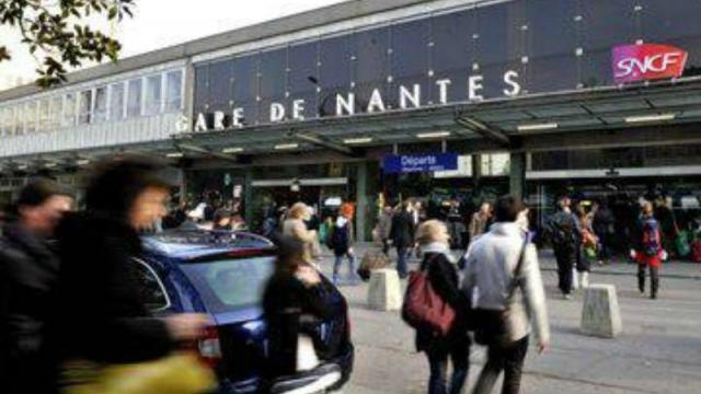 Une bibliothèque éphémère à la gare de Nantes