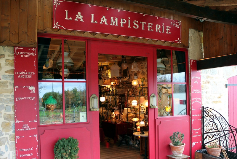 la-lampisterie-1900-boutique-privee