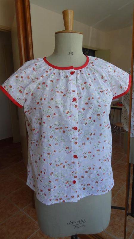 léger_blouse_fleurs_rouges_1