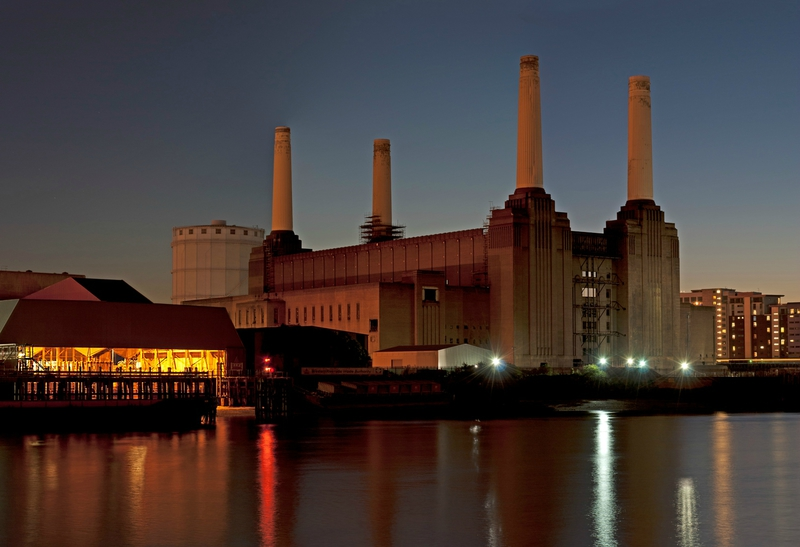 Battersea_Power_Station,_Nine_Elms,_London-2
