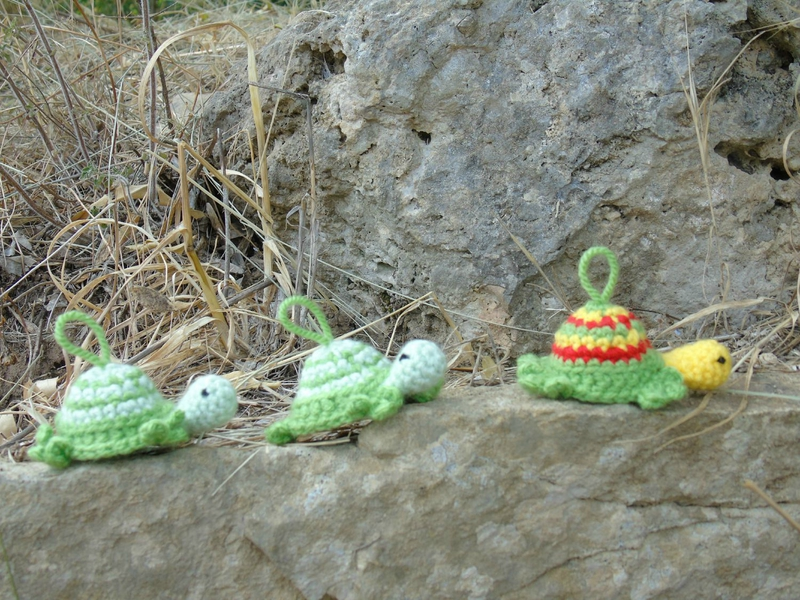 mini-tortue-crochet-la route