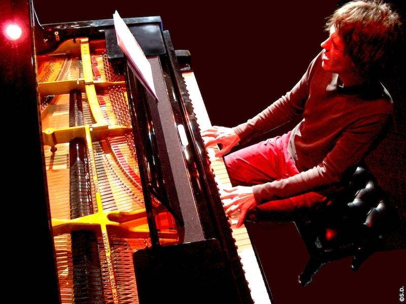chanteuse, pianiste, batteur, musique, événement, concert, animation, soirée, mariage, anniversaire, pop, jazz, lounge, variété, PARIS 75