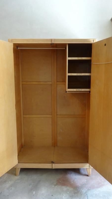 armoire anglaise des années 60 interieur 2