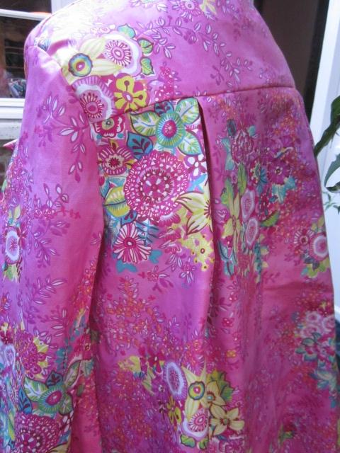Ciré AGLAE en coton enduit Rose fushia imprimé fleuri, fermé par un noeud (8)