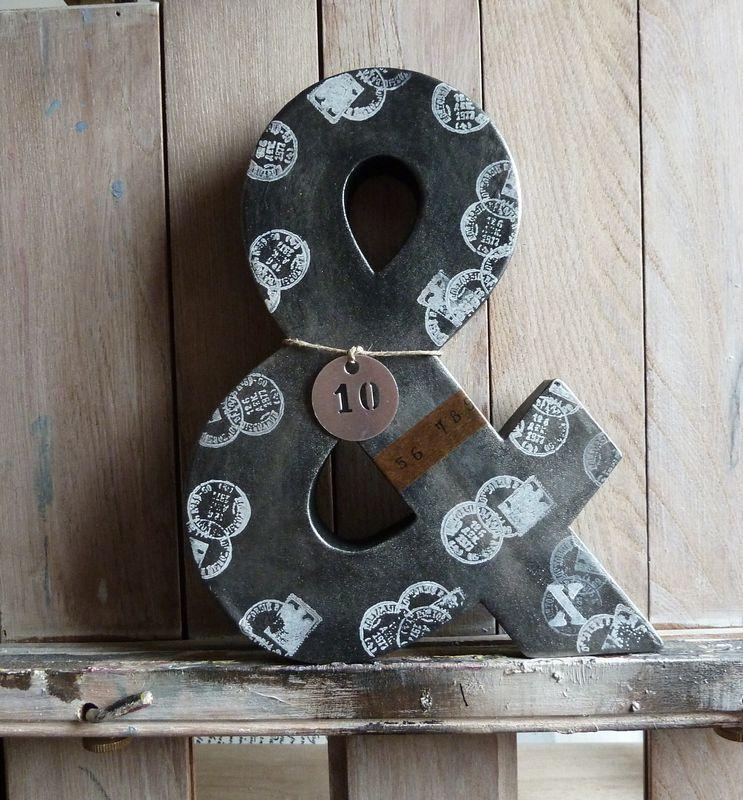 Esperluette déco plomb et tampons, numéro métal