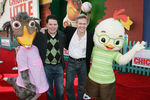 Premiere_Disney_Animated_Feature_Chicken_Little_LLyORcCYKQgl