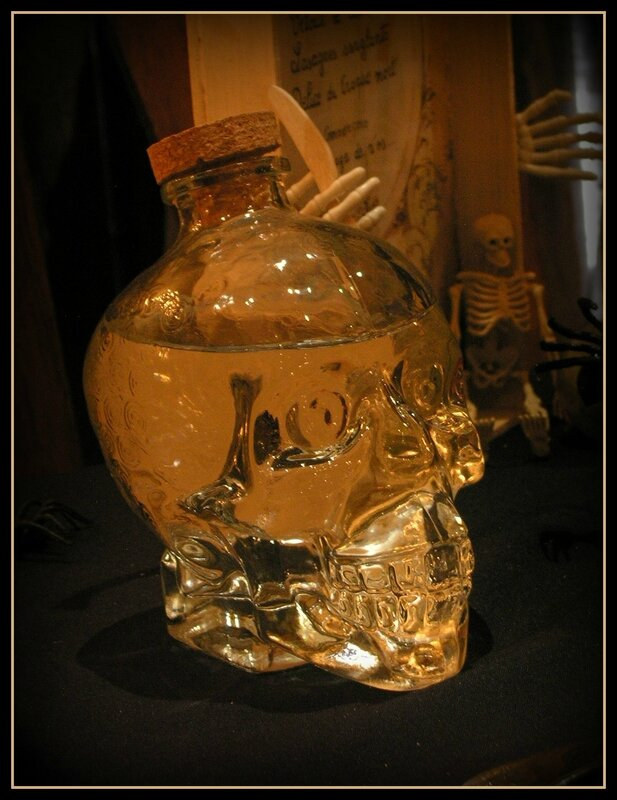 bouteille tete de mort 4