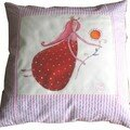 coussin PM reine fraise rayures rose
