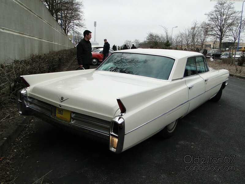 cadillac-deville-4window-sedan-1963-02