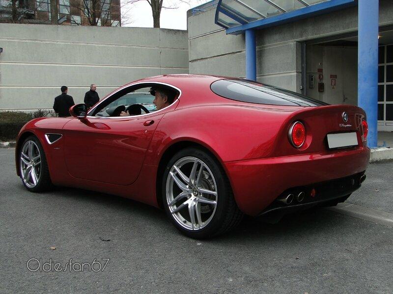 alfa-romeo-8c-competizione-coupe-2007-2010-b