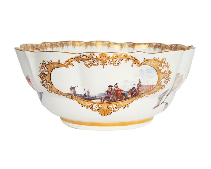 A large bowl with oriental port scenes and botanic flowers, Meissen, around 1740