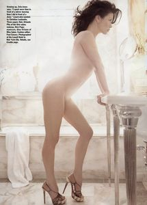 catherine_zeta_jones_nude_allure_01