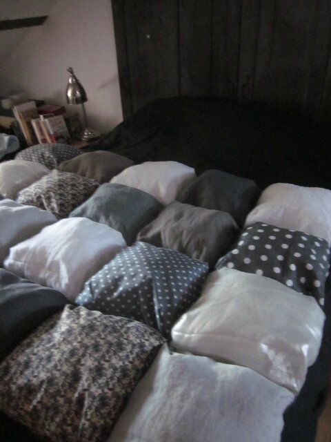 EDREDON 20 coussins gris et blanc en lin et coton (6)