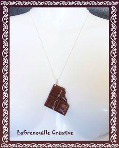 Collier carré de chocolat croqué (2)