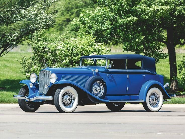 1932 Auburn Twelve Custom Phaeton Sedan