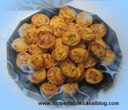 mini quiches lardons emmental moule silicone les recettes tup de candy lou recettes simples. Black Bedroom Furniture Sets. Home Design Ideas