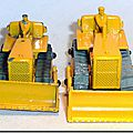 Bulldozer caterpillar #18 b et #18 c …