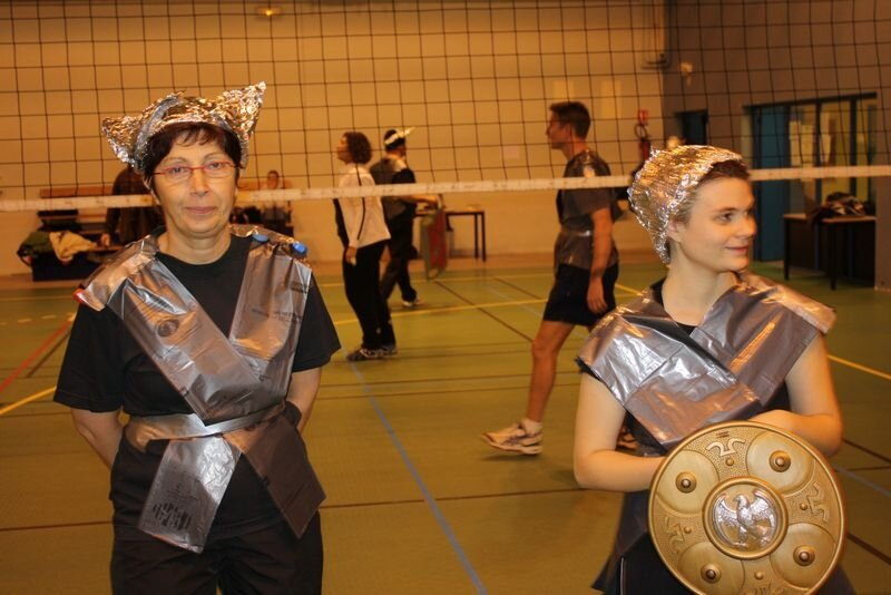 2009-12-10_volley_deguise_murs_IMG_4497