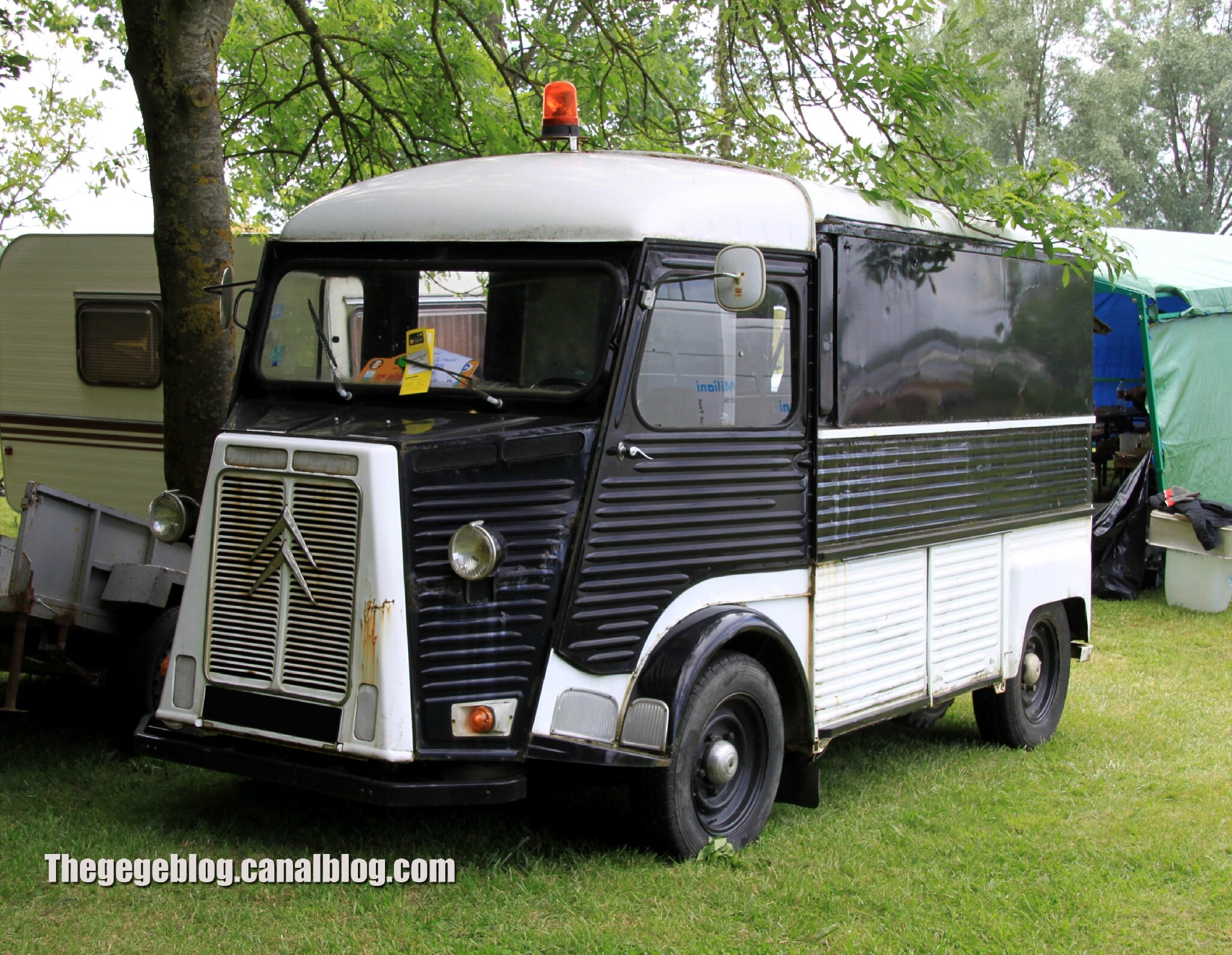 citroen hy fourgon tol de 1979 retro meus auto madine 2012 the g g blog. Black Bedroom Furniture Sets. Home Design Ideas