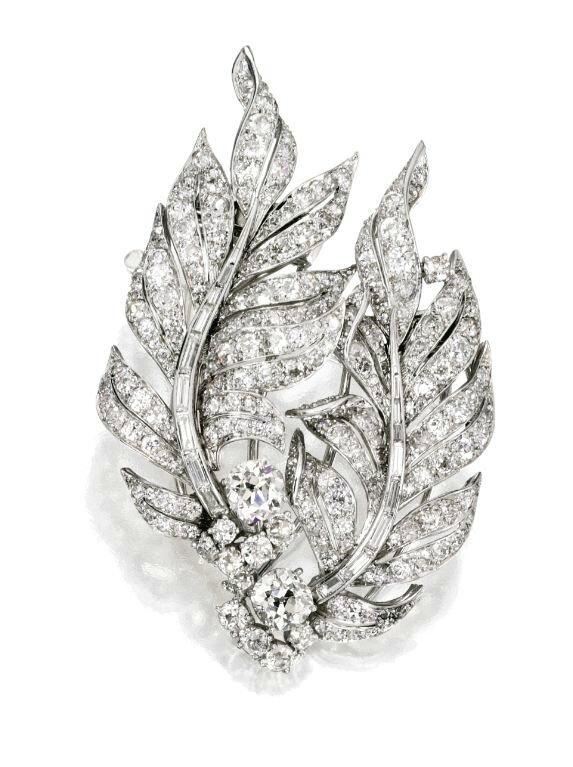 e347cb8227d1c49221afb5eb17eabbc9--emerald-necklace-emerald-jewelry