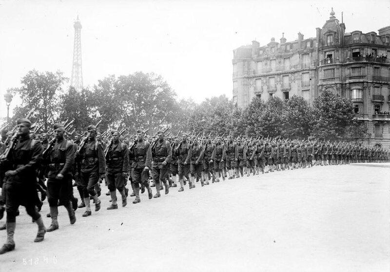 Indépendance Day défilé des troupes1 1918