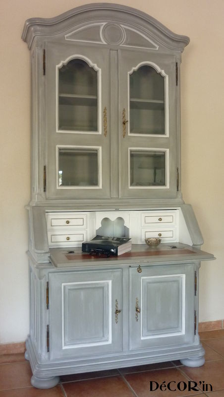 Secretaire louis xii relook gris patin blanc rechampi for Meuble patine blanc gris
