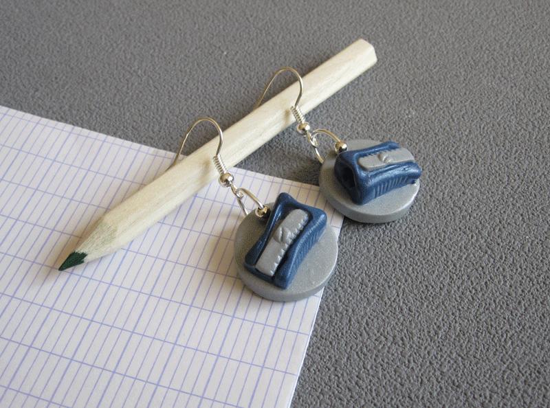boucles taille crayon bleu