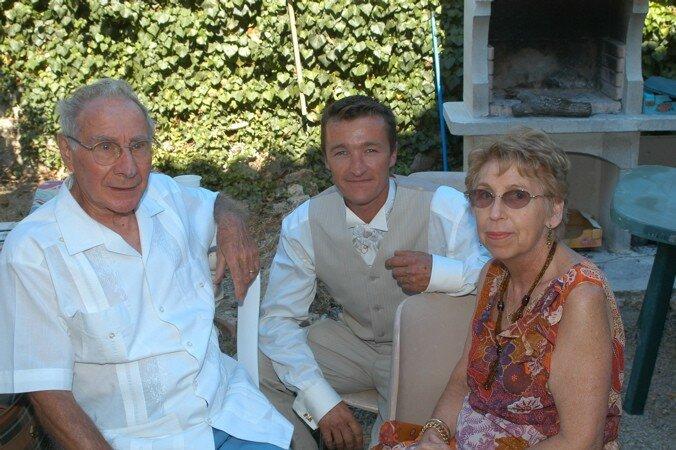 Laurent avec Papie et Mamie du Sud
