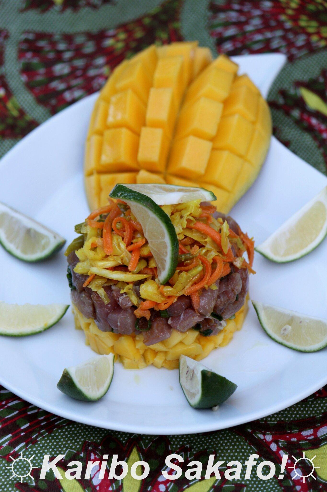 Tartare de thon germon à la mangue et aux achards de légumes