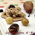 Blinis à la farine de châtaignes, effilochée de pintade aux éclats de châtaignes, poires et raisin pochés