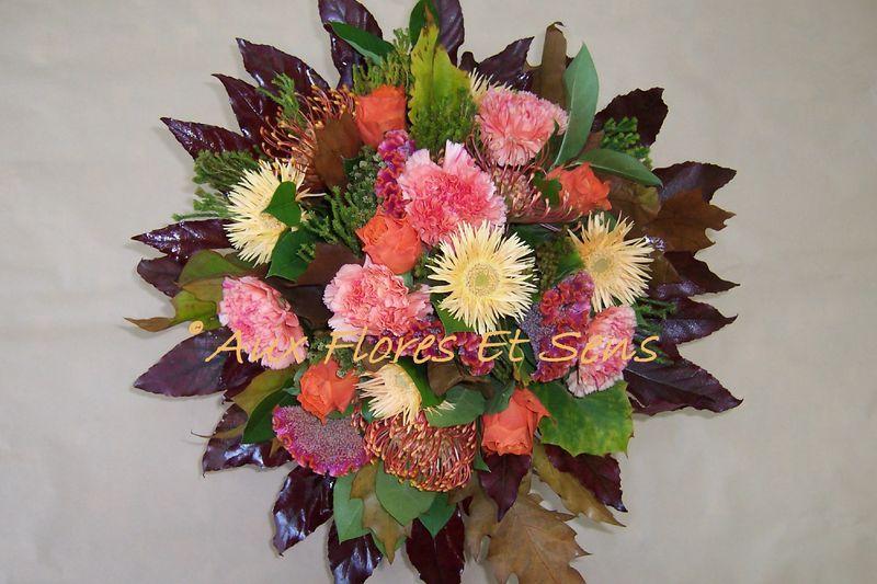 Bouquet rond avec Safari et Célosie
