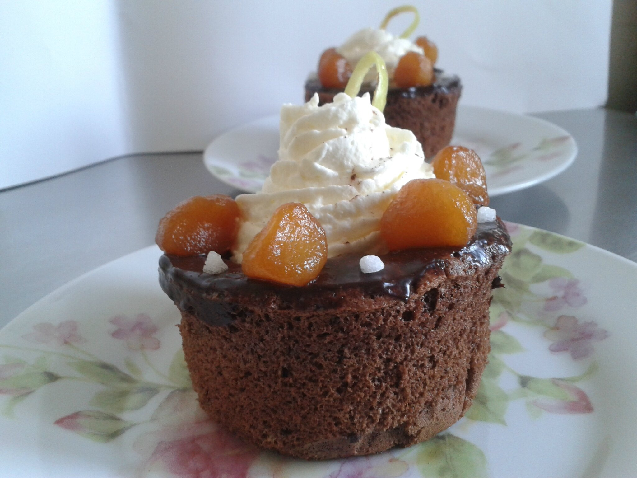 Petite génoise chocolat surprise au pomme ( du chef custos)