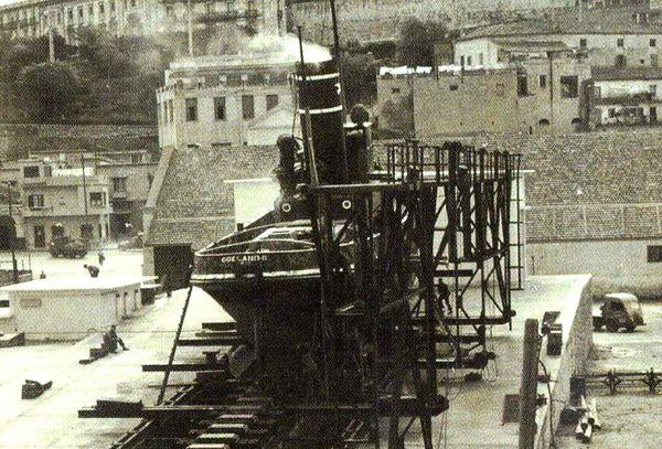 Oran- 072- travail sur les quais