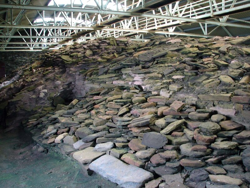 Rousay_Midhowe_cairn_2