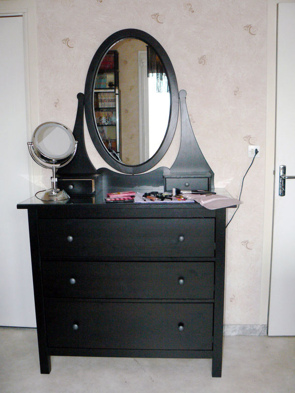 coiffeuse ikea malm stunning commode coiffeuse ikea avec commode coiffeuse ikea trendy miroir. Black Bedroom Furniture Sets. Home Design Ideas