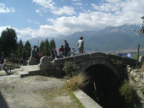 Promenade a velo, Celine sur le pont