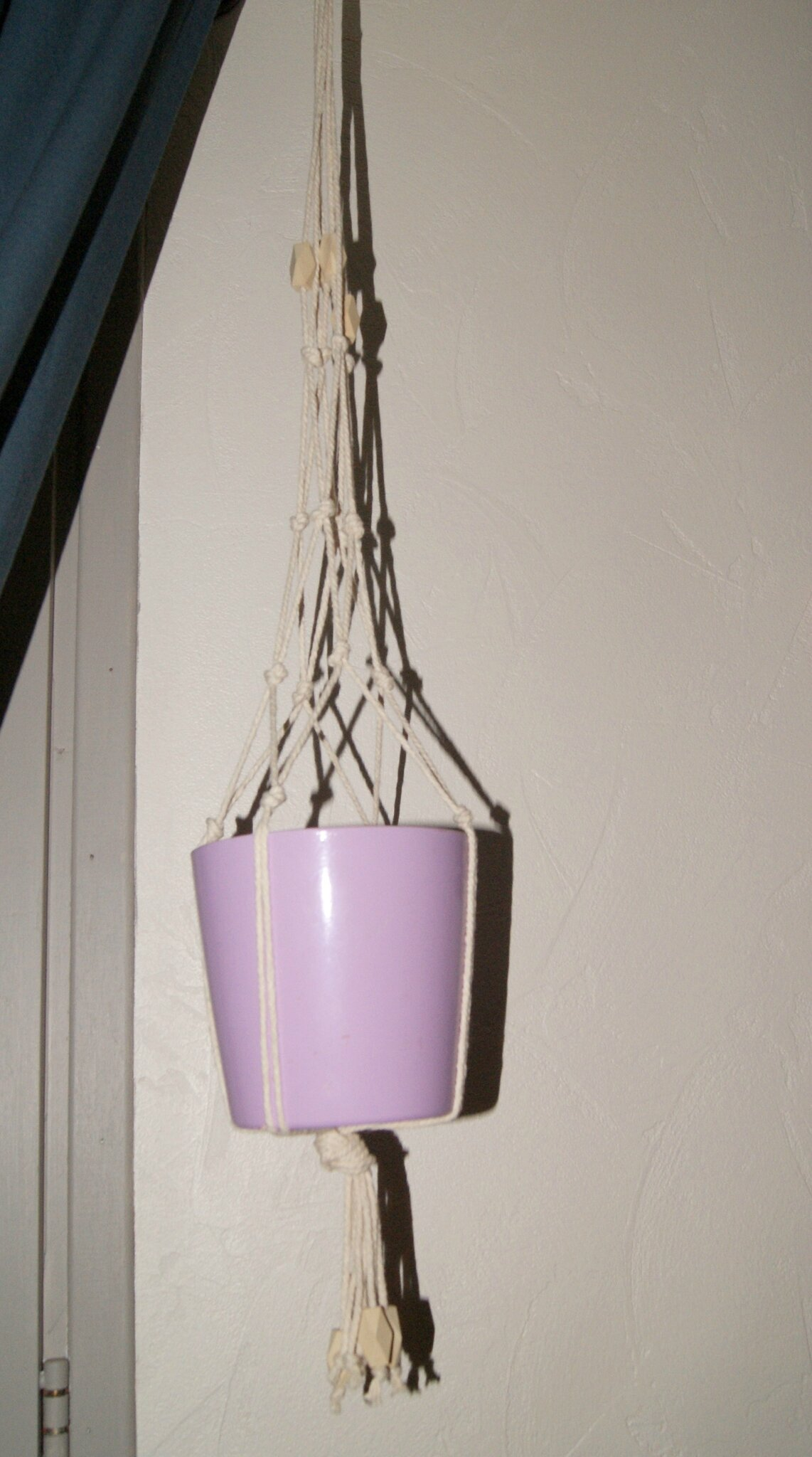 Diy suspension macram mon grain de sel - Comment faire une suspension en macrame ...