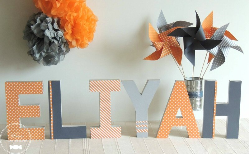 lettres prenom decorees orange gris moulin a vent pompon decoration anniversiare bapteme chambre enfant2
