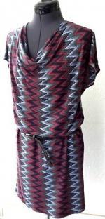 robe col bénitier vert rouge noir zigzag 2 pw